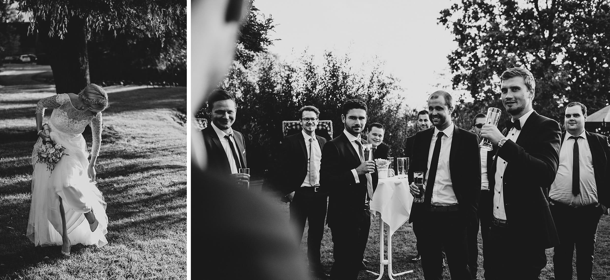 Hochzeitsfotografie Hamburg-Frau-Siemers-Gut Basthorst- Gäste trinken Bier