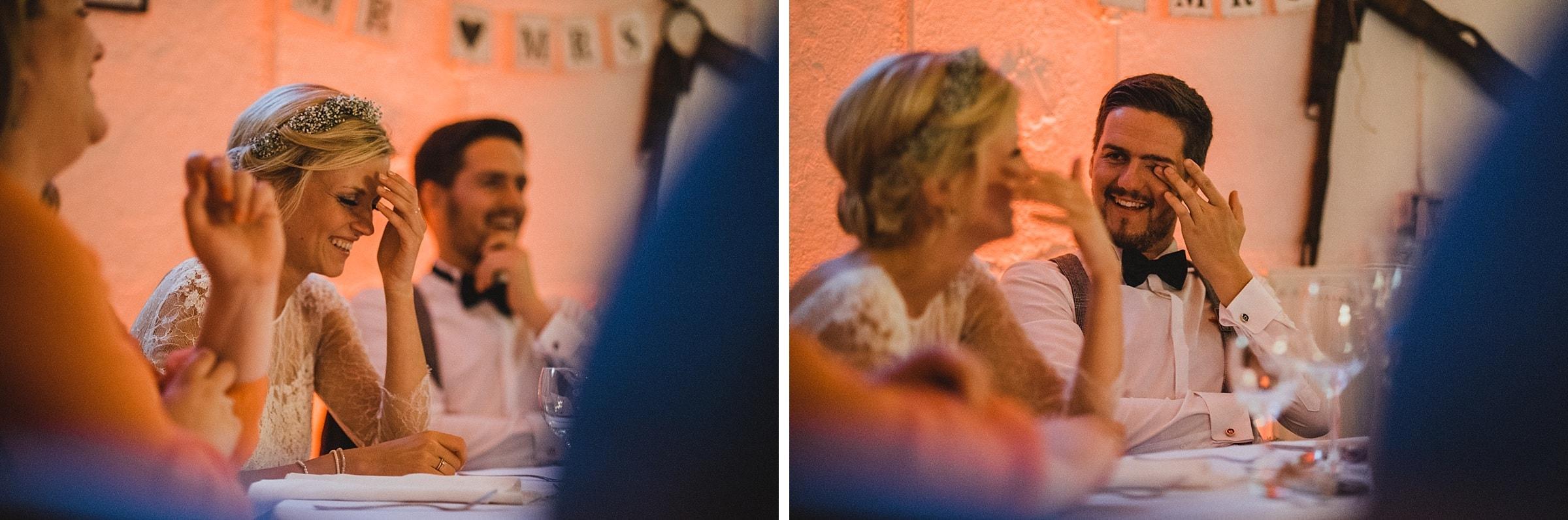 Hochzeitsfotografie Hamburg-Frau-Siemers-Gut Basthorst- Reden mit Blick aufs Brautpaar