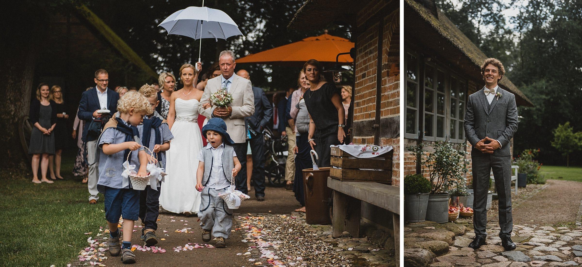 Hochzeitsfotografie-Frau-Siemers-Hof Weihe-Bräutigam wartet auf seine Braut