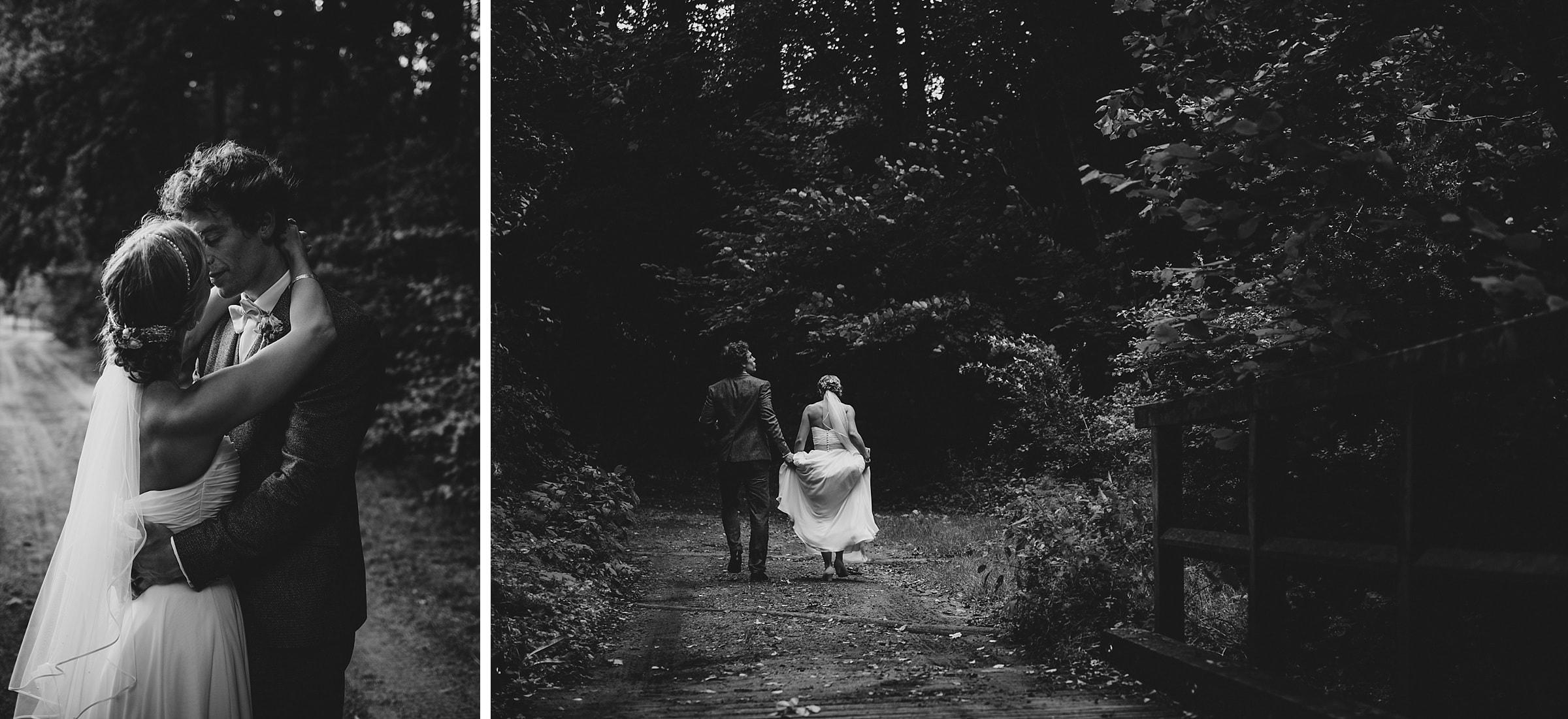 Hochzeitsfotografie-Frau-Siemers-Hof Weihe-Brautpaar küsst sich-portrtibild schwarz/weiß