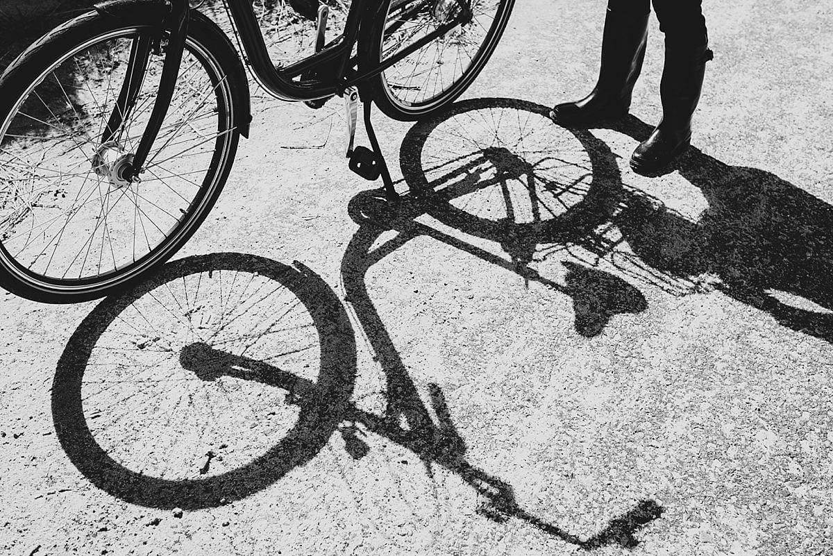 Junggesellinnenabschied_Reise Wangerooge_Schatten Fahrrad_Auto freie Insel