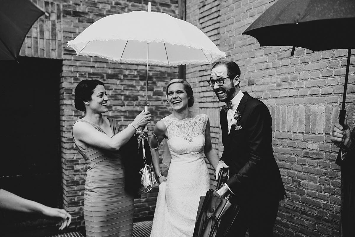 Hochzeitsfotografie Dorsten- kirchliche Trauung-lachendes Brautpaar