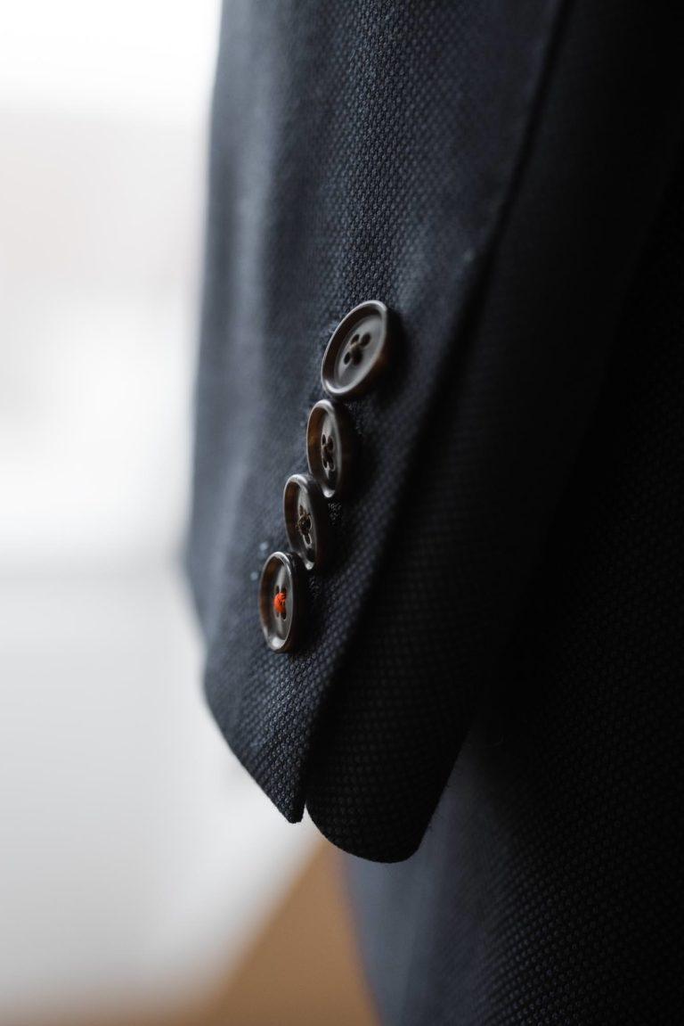 Hochzeitsfotografie Hamburg- Reportage Getting Ready- Detail Anzug.