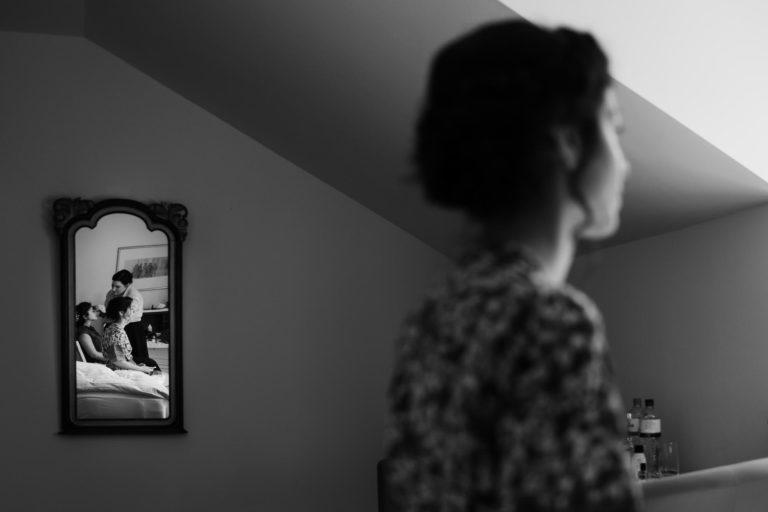 Spiegelung der Braut.