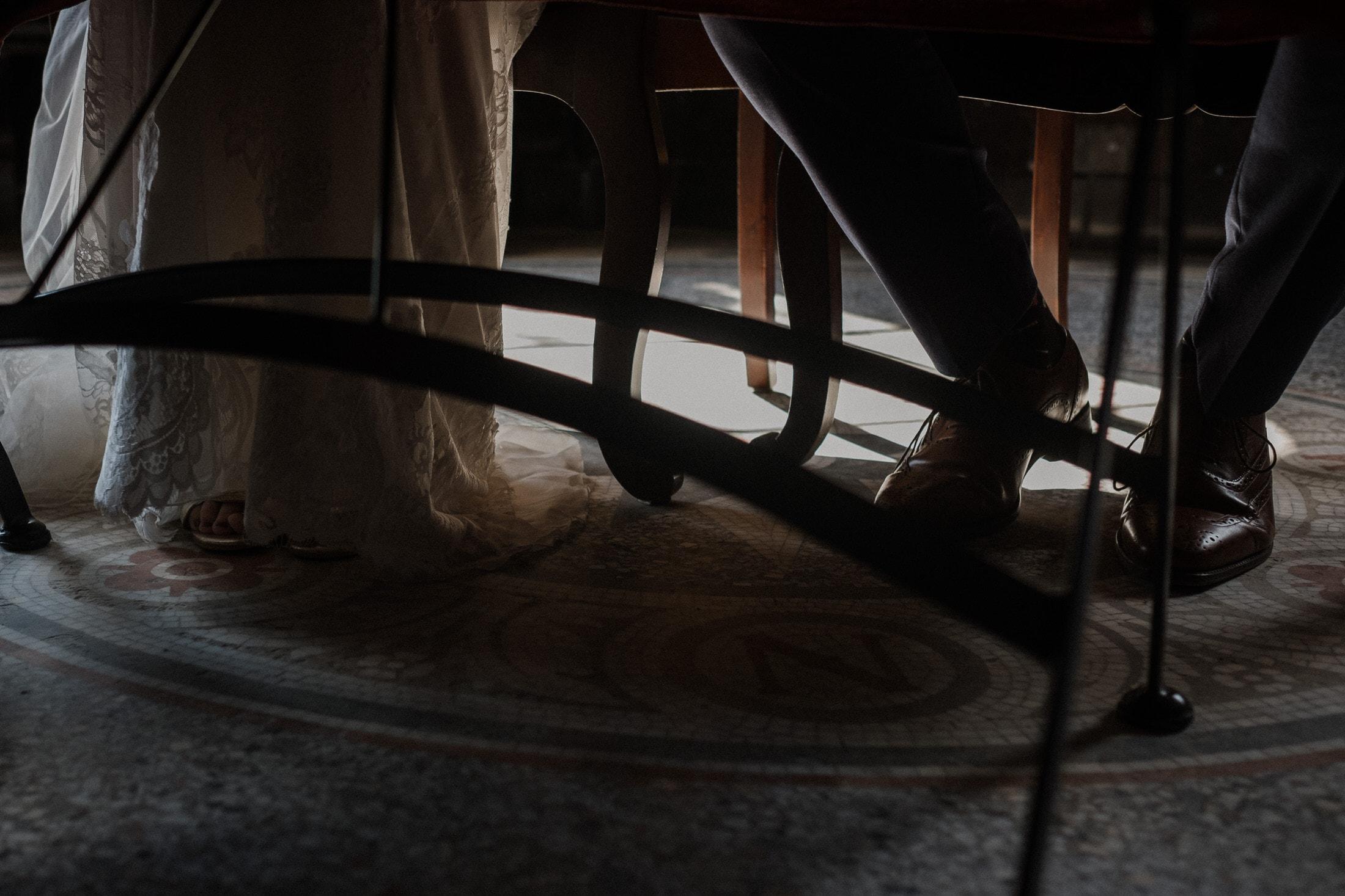 Hochzeitsfotografie Kiel- standesamtliche Trauung Leuchtturm- Detailaufnahme Schuhe