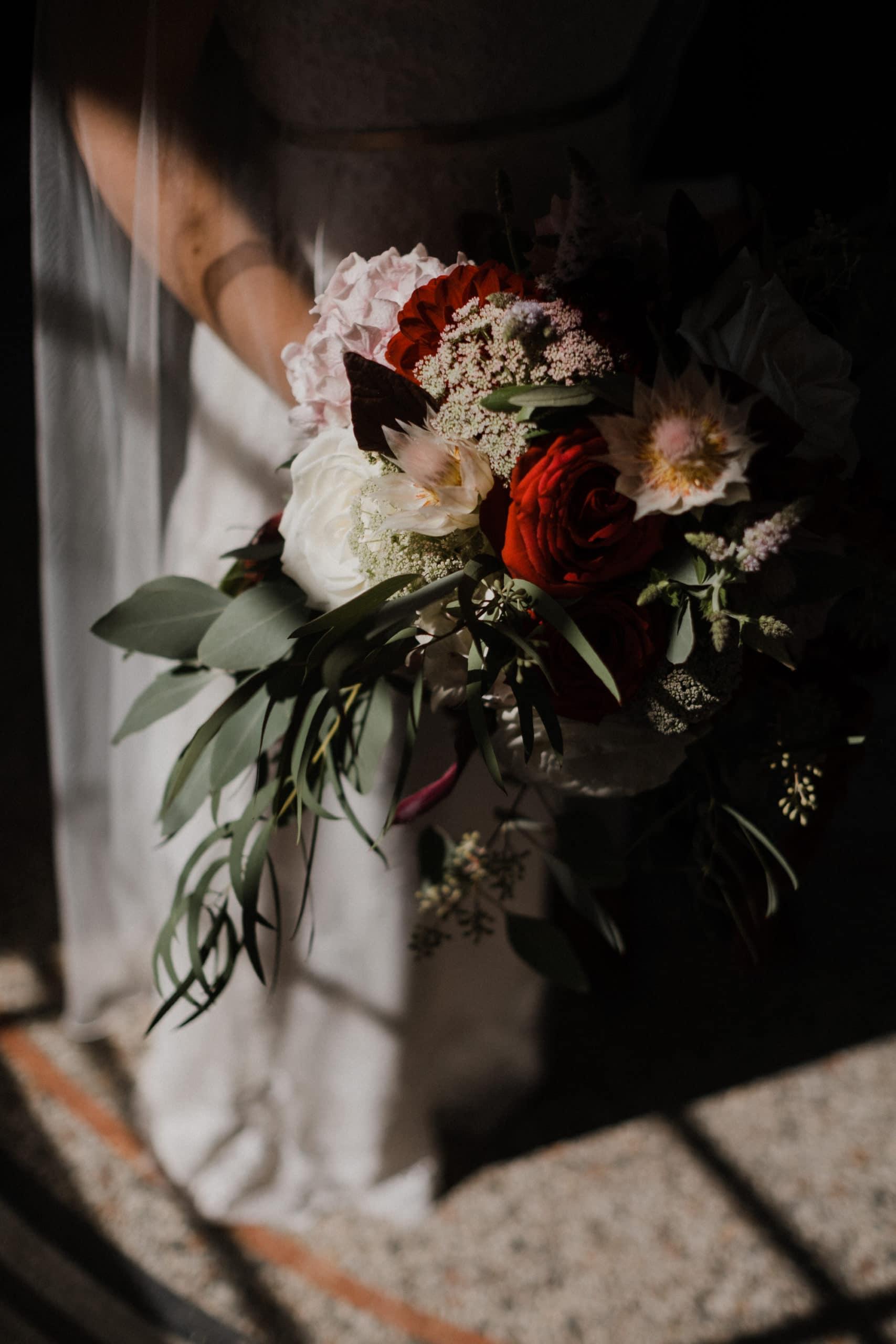 Hochzeitsfotografie Kiel- standesamtliche Hochzeit Leuchtturm Holtenau- Brautstrauß im Boho-Style