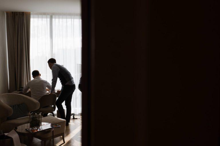 Fontenay Hamburg- Hochzeitsfotografie Hamburg- Queer Wedding- Getting Ready.