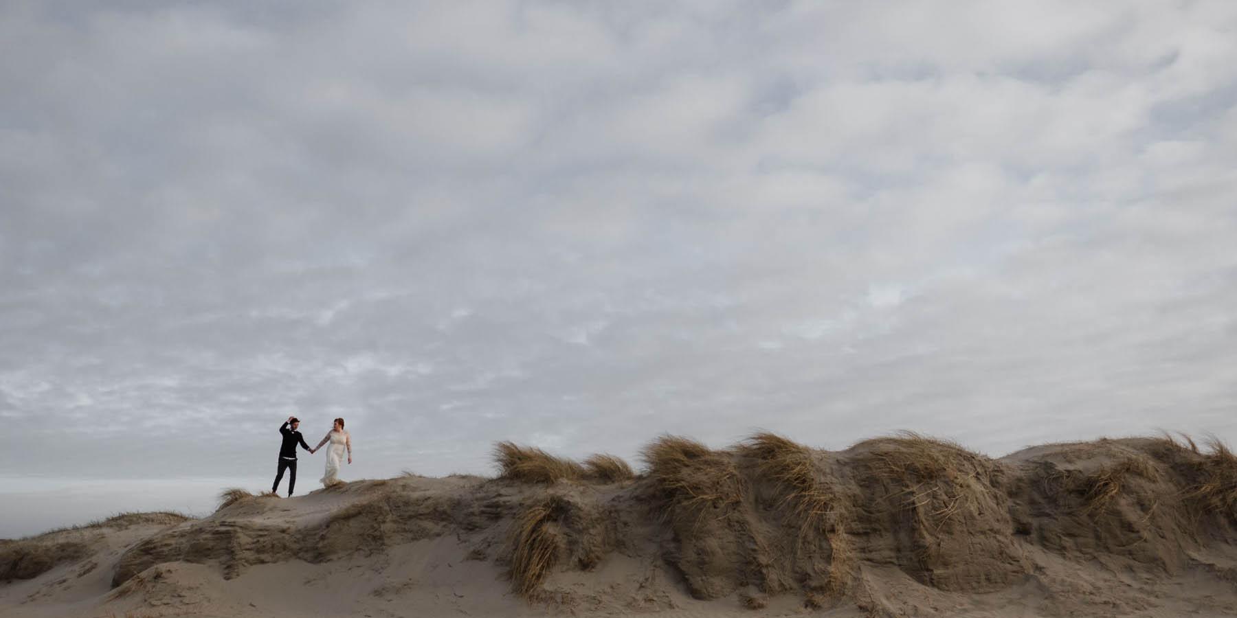 Hochzeitsfotografie Hamburg- Hochzeitsbilder zu zweit am Meer