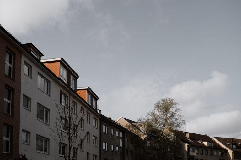 Erstes Bild der Reportage. Zeigt ein Straße in Hamburg Ottensen.
